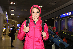 14.02.2014, Fraport, Fankfurt, GER, Sochi, 2014, Ankunft, im Bild Olympiasiegerin Carina Vogt mit der EINS, // during the Arrival of Olympic Skijumping Champion Carina Vogt at the Fraport in Fankfurt, Germany on 2014/02/14. EXPA Pictures © 2014, PhotoCredit: EXPA/ Eibner-Pressefoto/ RRZ<br /> <br /> *****ATTENTION - OUT of GER*****