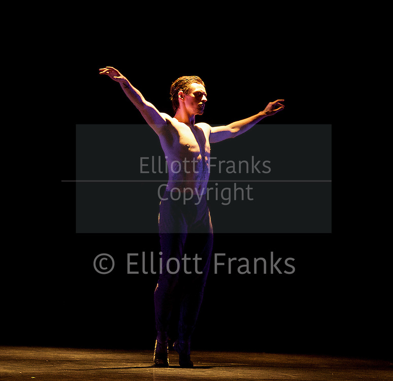 Natalia Osipova <br /> Triple Bill <br /> at Sadler's Wells, London, Great Britain <br /> rehearsal <br /> 28th June 2016 <br /> <br /> <br /> Silent Echo <br /> by Russell Maliphant <br /> Sergei Polunin <br /> <br /> <br /> <br /> Photograph by Elliott Franks <br /> Image licensed to Elliott Franks Photography Services