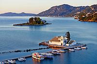 Grece, iles Ioniennes, Corfou, Kanoni, monastere Vlacherna et ile Pontikonissi // Greece, Ionian island, Corfu island, Kanoni, Vlacherna Monsatery and Pontikonissi island