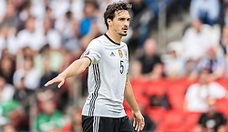 21.06.2016, Parc de Princes, Paris, FRA, UEFA Euro 2016, Nordirland vs Deutschland, Gruppe C, im Bild Mats Hummels (GER) // X during Group C match between Nothern Ireland and Germany of the UEFA EURO 2016 France at the Parc de Princes in Paris, France on 2016/06/21. EXPA Pictures © 2016, PhotoCredit: EXPA/ JFK