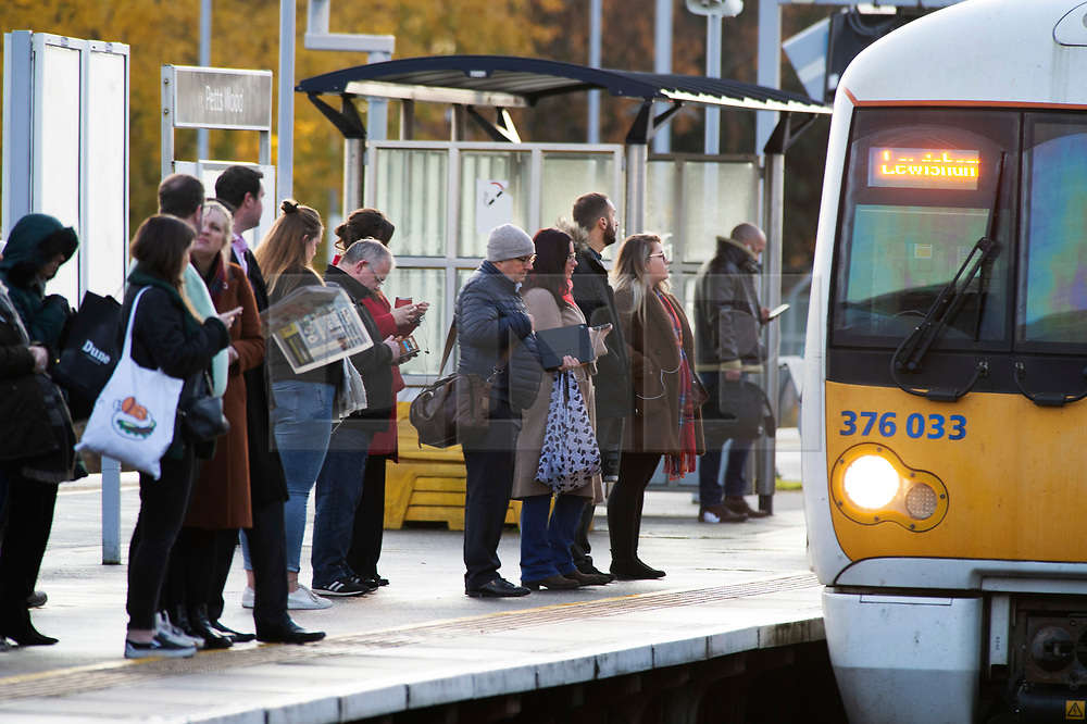 ©Licensed to London News Pictures 29/11/2019.<br /> Pettswood,UK. A cold damp November morning for  London commuters at Pettswood train station in Pettswood, South East London. Photo credit: Grant Falvey/LNP