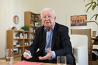 17 JUN 2015, BERLIN/GERMANY:<br /> Rudolf Seiters, Praesident Deutsches Rotes Kreuz, DRK, Bundesinnenminister a.D., waehrend einem Interview, in seinem Buero, DRK Generalsekretariat<br /> IMAGE: 20150617-02-028