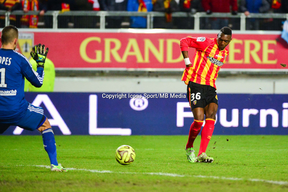 Aristote MADIANI / Anthony LOPES - 17.01.2015 - Lens / Lyon - 21eme journee Ligue 1<br />Photo : Dave Winter / Icon Sport