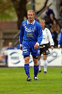 28.05.2001 Tampere, Finland. Veikkausliiga, Tampere United v FC Haka. Ville Lehtinen (TreU) v Jarkko Okkonen (Haka)..©JUHA TAMMINEN