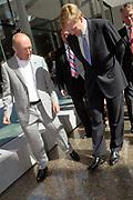 Z.K.H. Willem Alexander  de Prins van Oranje verricht de opening van het Geldmuseum te Utrecht . / Prince Willem Alexander opens the new money museum in Utrecht.<br /> <br /> De openingsceremonie, het lopen over een &quot;straat van geld&quot;/ The opening, walking on a &quot;street of money&quot;.