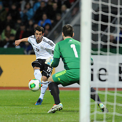 15.10.2013, Kassel, GER, UEFA U21 EM Qualifikation, Deutschland vs Faroer Inseln, Gruppe 6, 8. Runde, im Bild Amin Younes (Deutschl, U21, Borussia Moenchengladbach) scheitert an Teitur M Gestsson (Faroer Isl, s U21), Aktion, Action // during the UEFA U21 European Championship group six 8th round qualifier between Germany and Faroe Islands at the Kassel, Germany on 2013/10/15. EXPA Pictures © 2013, PhotoCredit: EXPA/ Eibner-Pressefoto/ Sippel<br /> <br /> *****ATTENTION - OUT of GER*****