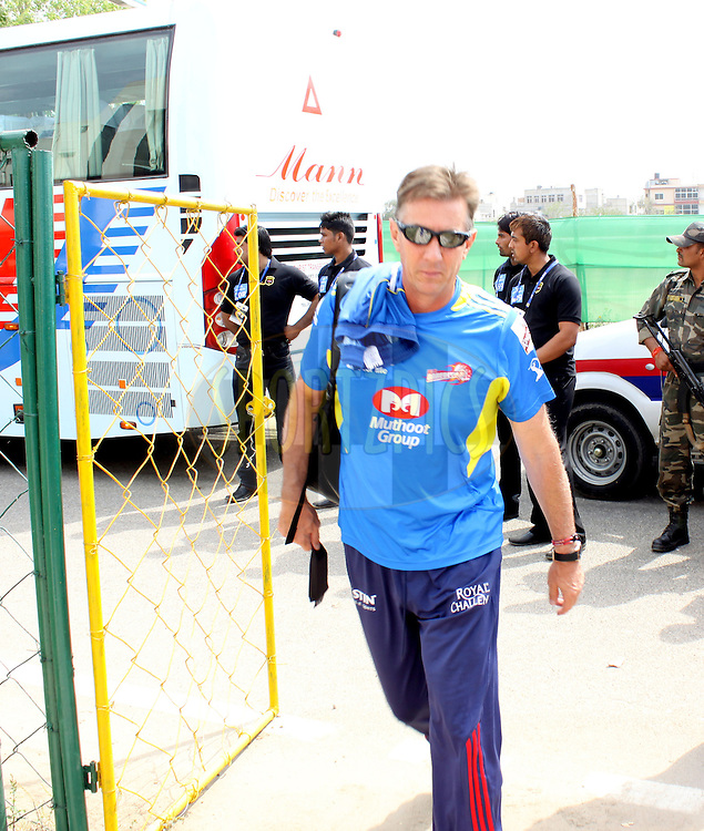 Team Dehli Daredevils arrives during match 7 of the the Indian Premier League ( IPL ) Season 4 between the Rajasthan Royals and the Delhi Daredevils held at the Sawai Mansingh Stadium, Jaipur, Rajasthan, India on the 12th April 2011..Photo by Sandeep ShettyBCCI/SPORTZPICS