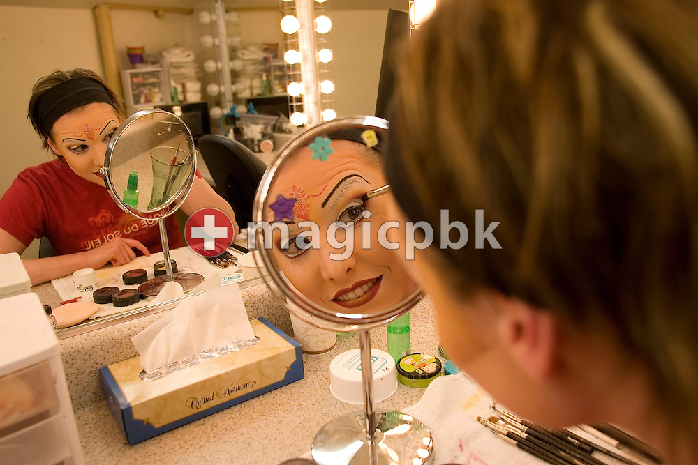 Former Swiss synchronized swimmer Belinda Schmid is doing her makeup before performing in the Cirque du Soleil O show at Bellagio in Las Vegas, Nevada, USA, Saturday 7 April 2007. (Photo by Patrick B. Kraemer / MAGICPBK)