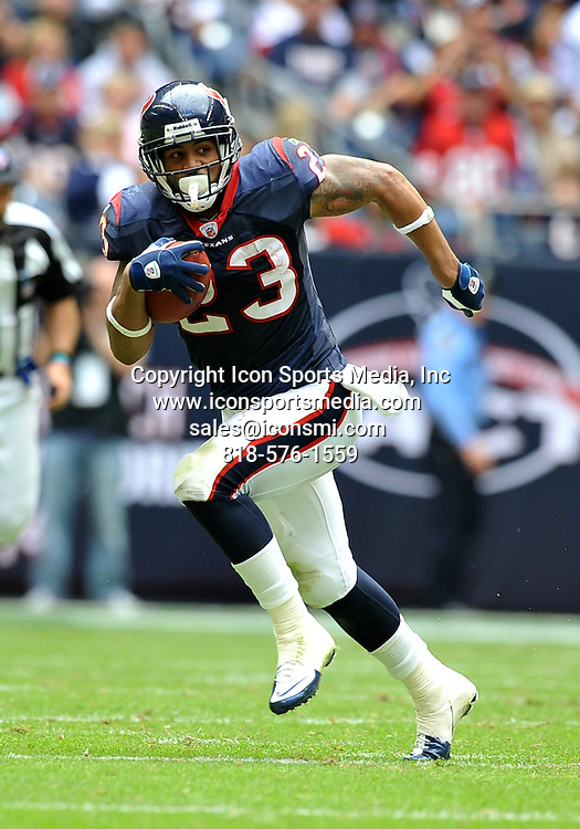 28 November 2010: Houston Texans running back Arian Foster (23) during the game between the Tennessee Titans and the Houston Texans at Reliant Stadium in Houston, Texas. Texans win over the Titans 20-0.