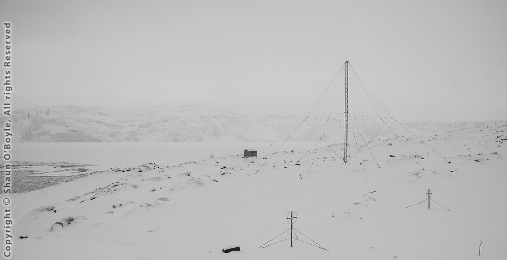 Antennas and Seismic Hut
