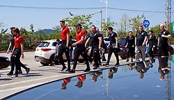 NANNING, CHINA - Tuesday, March 20, 2018: Wales' goalkeeper Wayne Hennessey and Gareth Bale during a team walk at the Wanda Realm Resort ahead of the 2018 Gree China Cup International Football Championship. (Pic by David Rawcliffe/Propaganda)