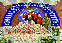Liberal Democrat leader Jo Swinson visited the Guru Nanak Sikh Temple in Glasgow, where she met worshippers.<br /> <br /> © Dave Johnston / EEm