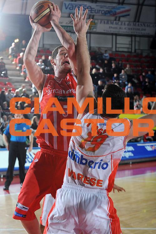 DESCRIZIONE : Varese Lega A 2009-10<br /> Cimberio Varese Banca Tercas Teramo<br /> GIOCATORE : Valerio Amoroso<br /> SQUADRA : Banca Tercas Teramo<br /> EVENTO : Campionato Lega A 2009-2010 <br /> GARA :  Cimberio Varese Banca Tercas Teramo<br /> DATA : 06/02/2010<br /> CATEGORIA : Tiro<br /> SPORT : Pallacanestro <br /> AUTORE : Agenzia Ciamillo-Castoria/A.Dealberto<br /> Galleria : Lega Basket A 2009-2010 <br /> Fotonotizia : Varese Campionato Italiano Lega A 2009-2010 Cimberio Varese Banca Tercas Teramo<br /> Predefinita :
