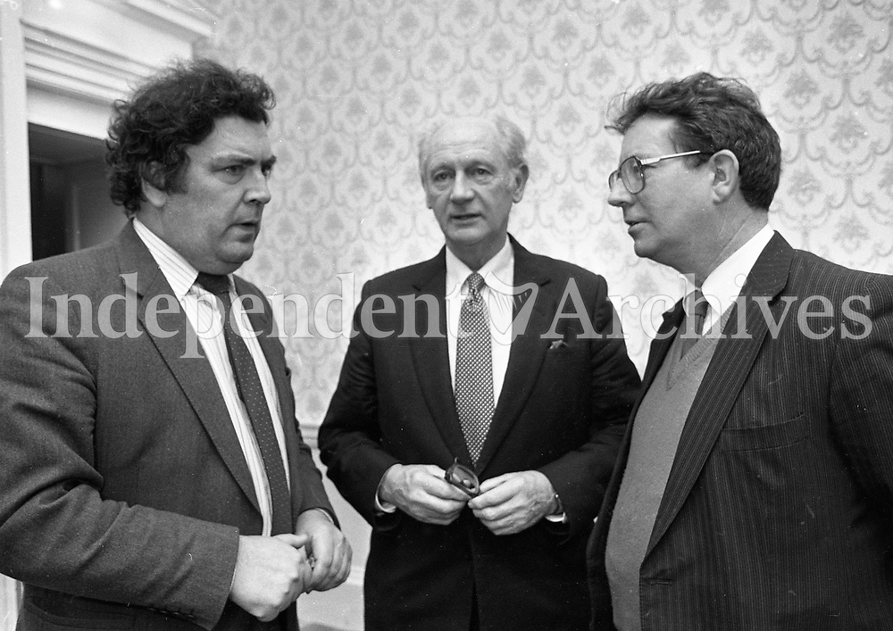 "John Hume having a chat at the Launch of the book ""John Hume Statesman of the Troubles"" at the Mansion House, 31/01/1985 (Part of the Independent Newspapers Ireland/NLI Collection)."