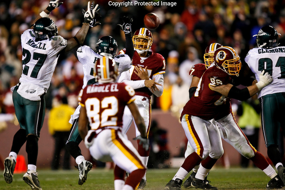 21 Dec 2008: Washington Redskins quarterback Jason Campbell #17 throws the ball during the game against the Philadelphia Eagles on December 21st, 2008. The Redskins beat the Eagles 10-3 at FedEx Field in Landover, Maryland.