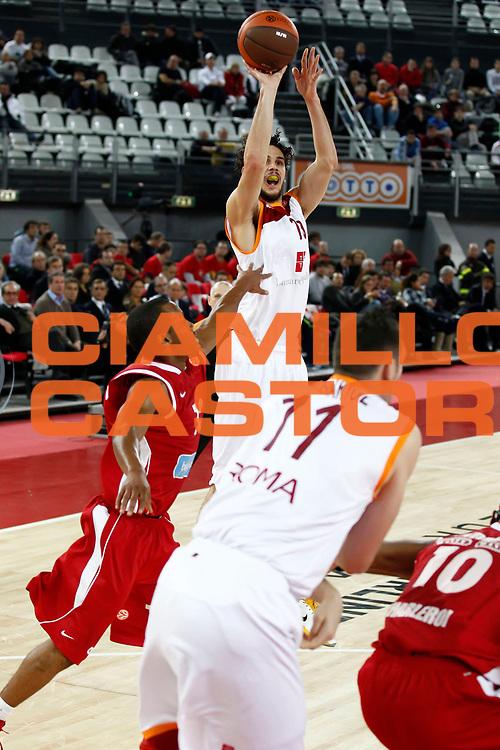 DESCRIZIONE : Roma Eurolega 2010-11 Lottomatica Virtus Roma Spirou Chaleroi<br /> GIOCATORE : Luca Vitali<br /> SQUADRA : Lottomatica Virtus Roma<br /> EVENTO : Eurolega 2010-2011<br /> GARA : Lottomatica Virtus Roma Spirou Chaleroi<br /> DATA : 02/12/2010<br /> CATEGORIA : tiro<br /> SPORT : Pallacanestro <br /> AUTORE : Agenzia Ciamillo-Castoria/ElioCastoria<br /> Galleria : Eurolega 2010-2011<br /> Fotonotizia : Roma Eurolega Euroleague 2010-11 Lottomatica Virtus Roma Spirou Chaleroi<br /> Predefinita :