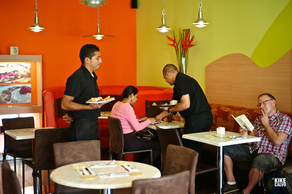 Zacate Limon, a new hot spot for managuan elite to eat salads and wraps at Club Terraza. .