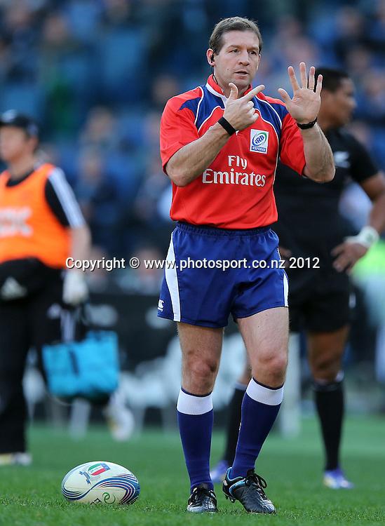 2012 Air New Zealand European Tour 17/11/2012<br /> Italy vs New Zealand<br /> Referee Alain Rolland<br /> Mandatory Credit &copy;INPHO/Dan Sheridan