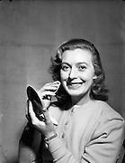 08/12/1952<br /> 12/08/1952<br /> 08 December 1952<br /> Miss Fionnuala Hurley, Bernadette Hall, Pantomine