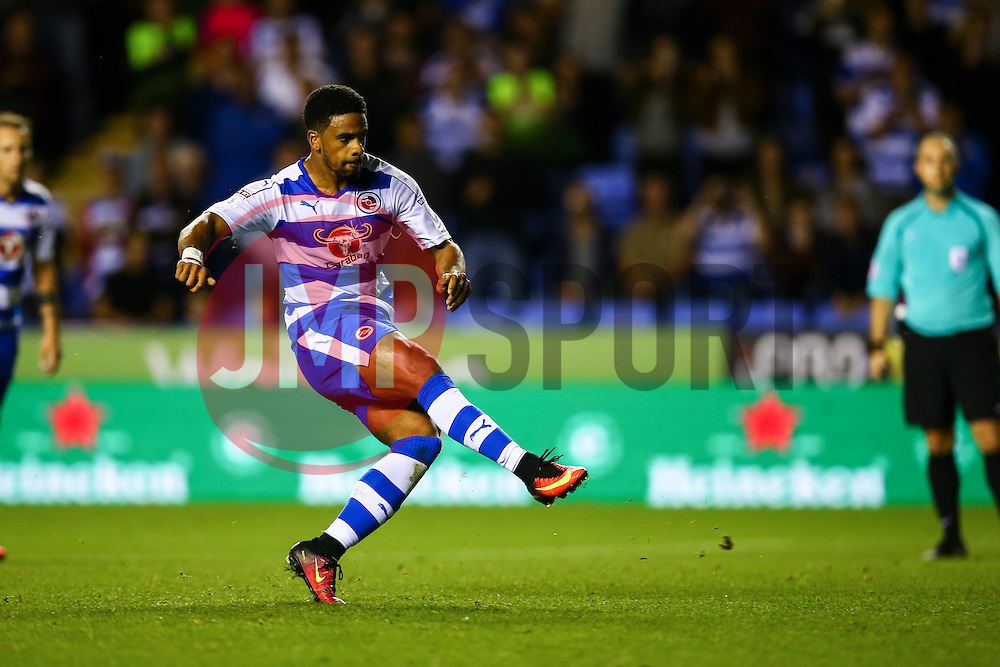 Goal, Garath McCleary of Reading scores from the penalty spot, Reading 1-0 Ipswich Town - Mandatory by-line: Jason Brown/JMP - 09/09/2016 - FOOTBALL - Madejski Stadium - Reading, England - Reading v Ipswich Town - Sky Bet Championship