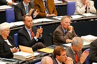 25 SEP 2003, BERLIN/GERMANY:<br /> Friedrich Merz (R), CDU, Stellv. CDU/CSU Fraktionsvorstzender, und Wolfgang Schaeuble (L), CDU, ehem. Bundesvositzender, waehrend der Bundestagsdebatte zur aktuellen lage im Irak, Plenum, Deutscher Bundestag<br /> IMAGE: 20030925-01-076<br /> KEYWORDS: Wolfgang Schäuble