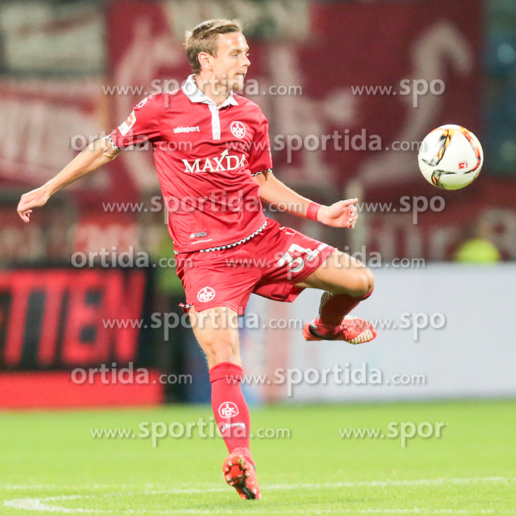 25.09.2015, Rewirpower Stadion, Bochum, GER, 2. FBL, VfL Bochum vs 1. FC Kaiserslautern, 9. Runde, im Bild Chris Loewe (#31, 1. FC Kaiserslautern) // during the 2nd German Bundesliga 9th round match between VfL Bochum and 1. FC Kaiserslautern at the Rewirpower Stadion in Bochum, Germany on 2015/09/25. EXPA Pictures &copy; 2015, PhotoCredit: EXPA/ Eibner-Pressefoto/ Deutzmann<br /> <br /> *****ATTENTION - OUT of GER*****