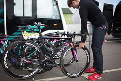 Final checks on the CANYON//SRAM Racing bikes before the start of the Aviva Women's Tour 2016 - Stage 1. A 138.5 km road race from Southwold to Norwich, UK on June 15th 2016.
