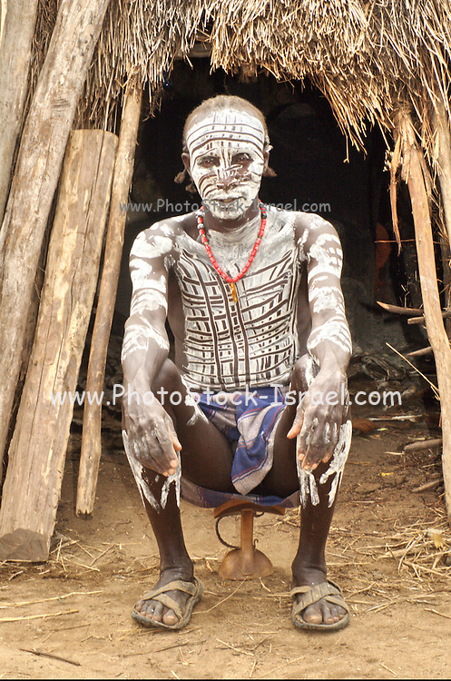 Africa, Ethiopia, Omo Valley, Karo tribesmen warrior