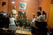 Belo Horizonte_MG, 12 de Abril de 2011..Misturada Orquestra..Gravacao disco no estudio Bemol..Foto: Leo Drumond / NITRO