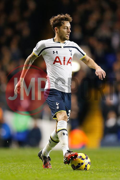 Ryan Mason of Tottenham Hotspur in action - Photo mandatory by-line: Rogan Thomson/JMP - 07966 386802 - 30/11/2014 - SPORT - FOOTBALL - London, England - White Hart Lane - Tottenham Hotspur v Everton - Barclays Premier League.