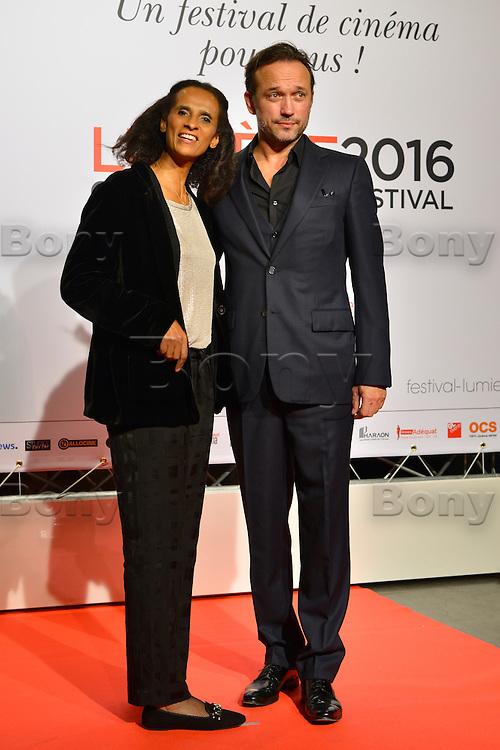 Karine Silla &amp; Vincent Perez<br /> Lyon 8 oct 2016 - Festival Lumi&egrave;re 2016 - C&eacute;r&eacute;monie d&rsquo;Ouverture<br /> 8th Film Festival Lumiere In Lyon : Opening Ceremony