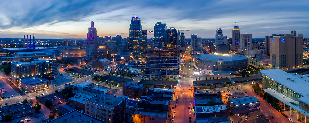 Panoramic view of downtown Kansas City, Missouri skyline with Two Light Tower construction underway.