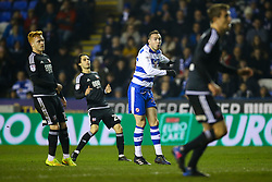 Jordon Mutch of Reading shot goes just wide - Mandatory by-line: Jason Brown/JMP - 14/02/2017 - FOOTBALL - Madejski Stadium - Reading, England - Reading v Brentford - Sky Bet Championship