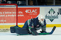 KELOWNA, CANADA - JANUARY 5: Liam Hughes #30 of the Seattle Thunderbirds stretches in net against the Kelowna Rockets on January 5, 2017 at Prospera Place in Kelowna, British Columbia, Canada.  (Photo by Marissa Baecker/Shoot the Breeze)  *** Local Caption ***