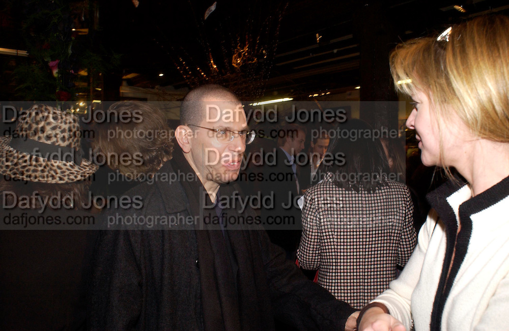 Jonathan Newhouse, Party hosted by Isabella Blow in honour of Shaun Leane to celebrate his jewelry collection. Liberty's. London. 8 December 2004. ONE TIME USE ONLY - DO NOT ARCHIVE  © Copyright Photograph by Dafydd Jones 66 Stockwell Park Rd. London SW9 0DA Tel 020 7733 0108 www.dafjones.com