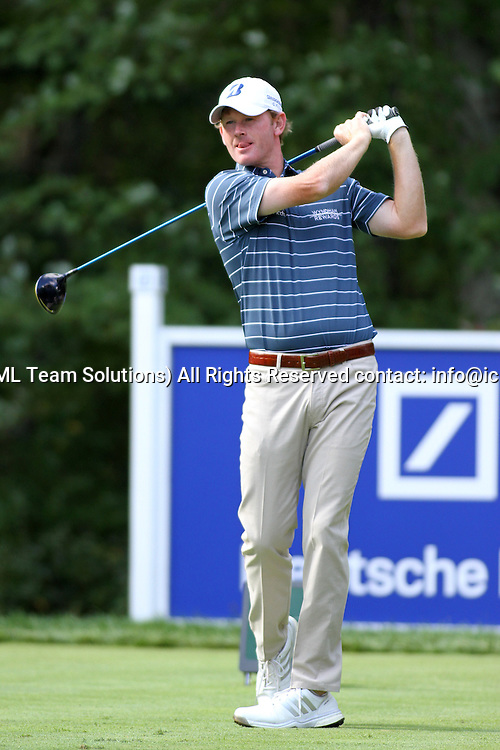 September 4, 2016: Brandt Snedeker tees off at 2 at the Deutsche Bank Championship at the TPC Boston in Norton, Massachusetts. (Photo by Malcolm Hope/Icon Sportswire)