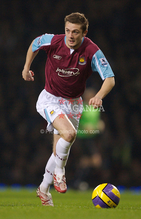 London, England - Tuesday, January 30, 2007: West Ham United's Carl Fletcher in action against Liverpool during the Premiership match at Upton Park. (Pic by David Rawcliffe/Propaganda)