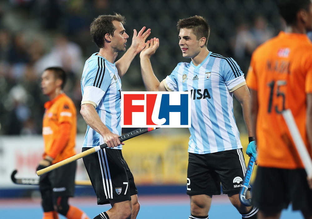 LONDON, ENGLAND - JUNE 16:  Gonzalo Peillat (R) of Argentina congratulates goalscorer Facundo Callioni after his team's fifth goal during the Pool A match between Argentina and Malaysia on day two of Hero Hockey at Lee Valley Hockey and Tennis Centre on June 16, 2017 in London, England.  (Photo by Alex Morton/Getty Images)