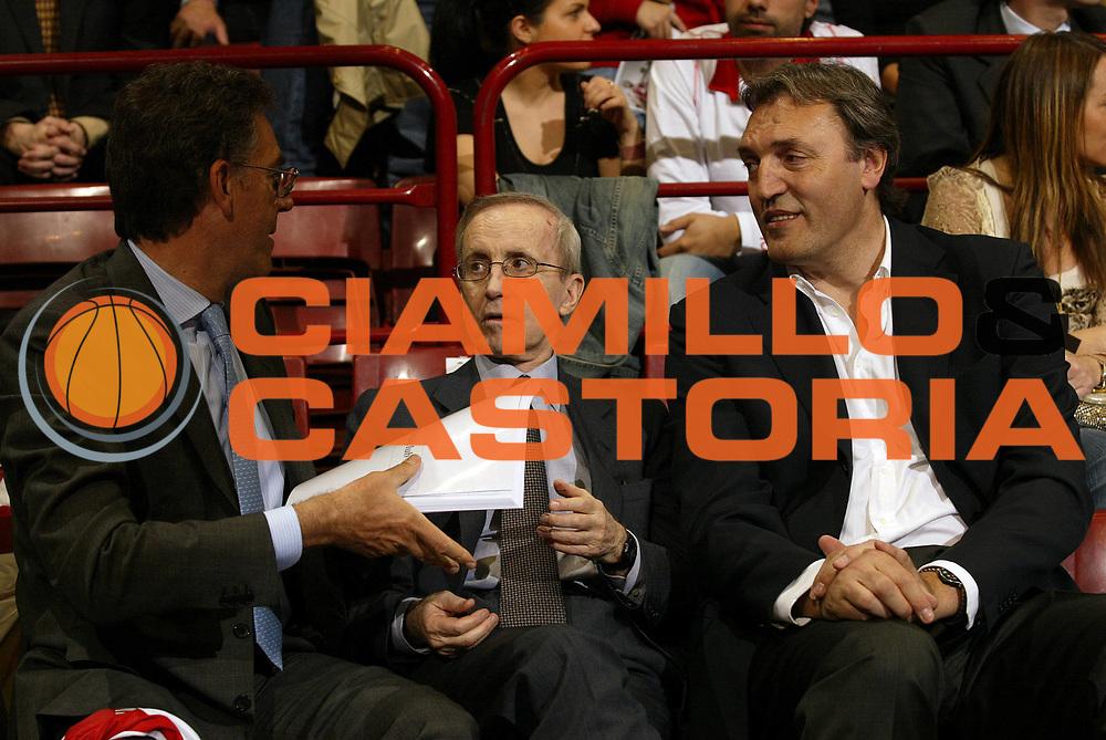 DESCRIZIONE : Milano Lega A1 2005-06 Armani Jeans Olimpia Milano Bipop Carire Reggio Emilia <br /> GIOCATORE : Peterson Meneghin <br /> SQUADRA : <br /> EVENTO : Campionato Lega A1 2005-2006 <br /> GARA : Armani Jeans Olimpia Milano Bipop Carire Reggio Emilia <br /> DATA : 04/05/2006 <br /> CATEGORIA : <br /> SPORT : Pallacanestro <br /> AUTORE : Agenzia Ciamillo-Castoria/E.Pozzo