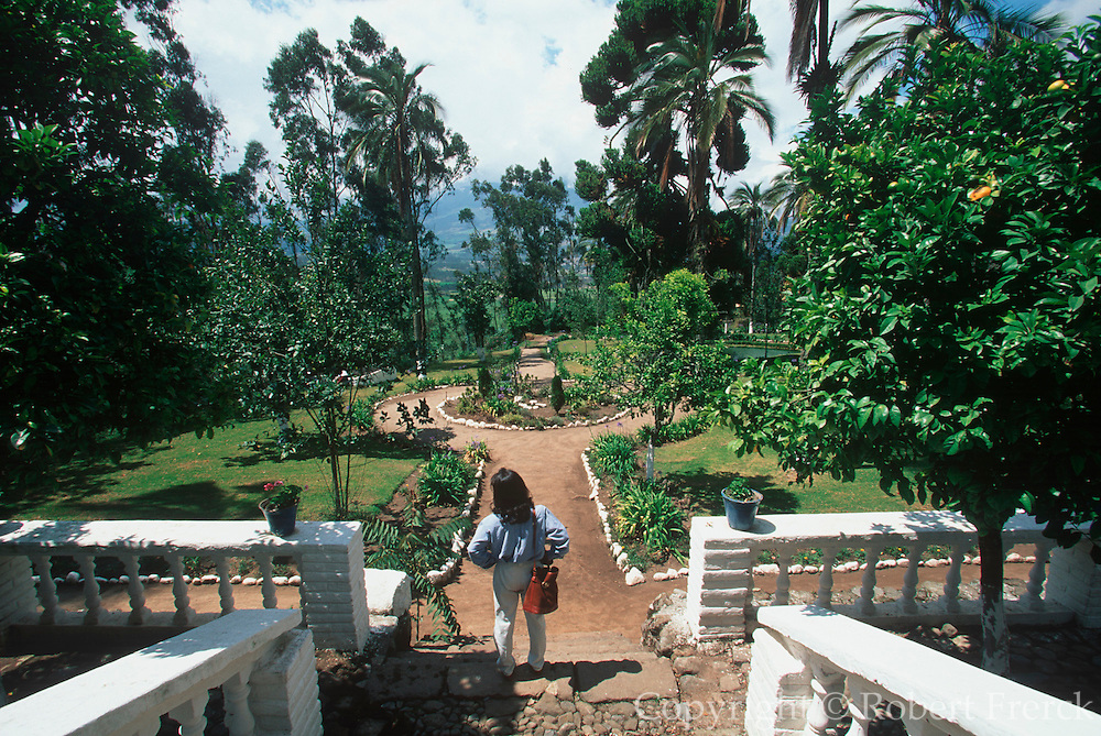 ECUADOR, HIGHLANDS Hacienda Pinsaqui hotel and restaurant