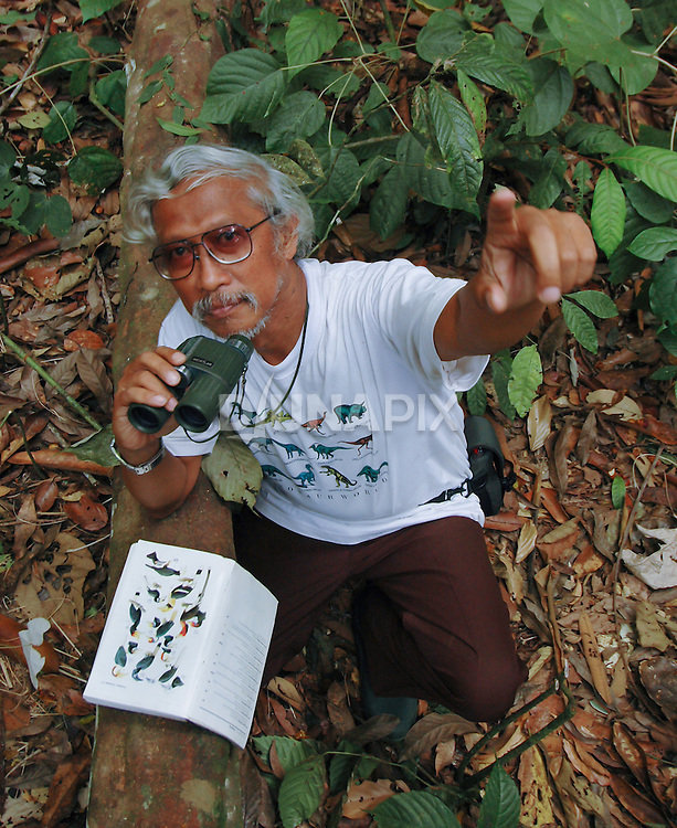Mas Noerdjito of the Indonesia Research Institute (LIPI) helped to iidentify six species of hornbills in the forests near Lake Tebo on the Sangkulirang Rapid Ecological Assessment