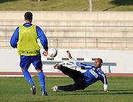 06-01-2009 Voetbal:Willem II:Trainingskamp:Torremolinos:Spanje<br /> Ibad Muhamadu met een mooie omhaal tijdens de training<br /> Foto: Geert van Erven