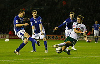 Photo: Steve Bond/Richard Lane Photography. Leicester City v Plymouth Albion. Coca Cola Championship. 21/11/2009. Matty Fryatt (L) tries a shot as Kari Arnason blocks