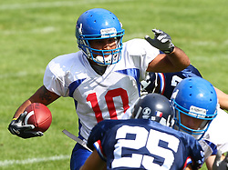 27.07.2010, Wetzlar Stadion, Wetzlar, GER, Football EM 2010, Team France vs Team Great Britain, im Bild Clive Palumbo, (Team Great Britain, WR, #10) beim Punt Return,  EXPA Pictures © 2010, PhotoCredit: EXPA/ T. Haumer