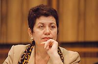 """22.10.1998, Germany/Bonn:<br /> Margret Mönig-Raane, Vorsitzende Gewerkschaft Handel, Banken und Versicherungen, Pressekonferenz """"Forderungen an die neue Regierung"""", Bundes-Pressekonferenz<br /> IMAGE: 19981022-01/02-04<br /> KEYWORDS: Margret Moenig-Raane"""