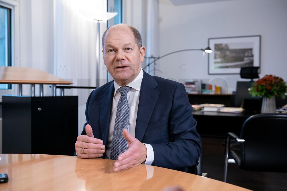 21 NOV 2018, BERLIN/GERMANY:<br /> Olaf Scholz, SPD, Bundesfinanzminister, waehrend einem Interview, in seinem Buero, Bundesministerium der Finanzen<br /> IMAGE: 20181121-01-014<br /> KEYWORDS: Büro