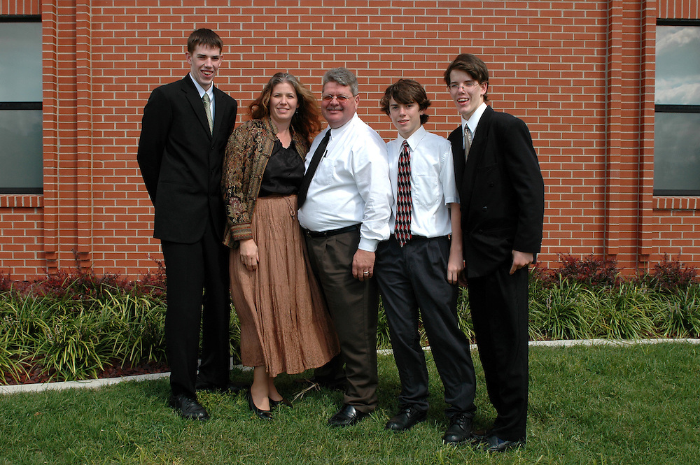 Les Nelson sont très impliqués dans les activités de la communauté des Mormons de Moberly. Dan Nelson est le bras droit du Bishop, Joanne est responsable de l'initiation religieuse des plus petits et leurs fils suivent les cours du séminaire tous les matins de 6h à 8h avant de rejoindre le lycée.  Moberly, Missouri, USA, 2006-2007