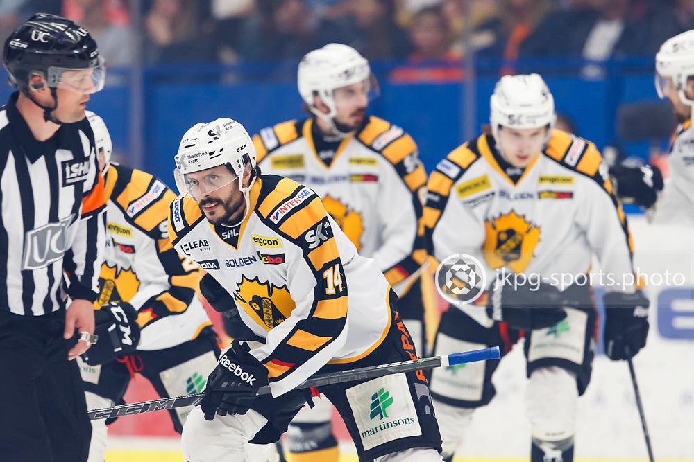 150423 Ishockey, SM-Final, V&auml;xj&ouml; - Skellefte&aring;<br /> Daniel Widing, Skellefte&aring; AIK jublar efter m&aring;l att ha gjort m&aring;l 0-1.<br /> &copy; Daniel Malmberg/Jkpg sports photo