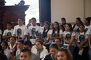 Personas asisten domingo FEB 09,2015 a la Catedral Metropolitana de San Salvador, El Salvador a la misa de acción de gracias presidida por el Arzobispo de San Salvador Monseñor  Jose Luis Alas por la decisión del Vaticano de Declarar a Monseñor Oscar Arnulfo Romero martir de la iglesia. Después de un proceso de treinta y cinco años es declarado partir de la fe el primero después del Congreso de Medellin. Photo: Edgar ROMERO/Imagenes Libress