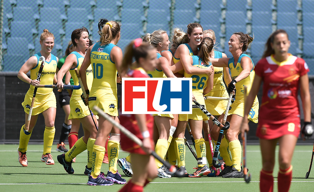 BRUSSELS, BELGIUM - JUNE 25: Georgina Morgan (C) of Australia is hugged by team mates after scoring during the FINTRO Women's Hockey World League Semi-Final Pool B game between Australia and Spain on June 25, 2017 in Brussels, Belgium. (Photo by Charles McQuillan/Getty Images for FIH)